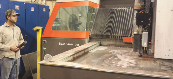 ByJet Smart cuts with a shorter distance between the cutting head and the workpiece