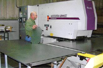The new servo-motor-driven turret press