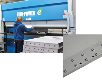 Servo-electric press brake with a tool that hems and bends drawers in one step