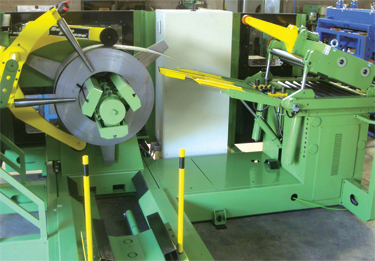 A peeler/threading table promotes hands-free and safe coil threading into the straightener-feeder head.