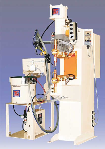 single-point projection-welding system combining a pedesal welder and nut/bolt feeder