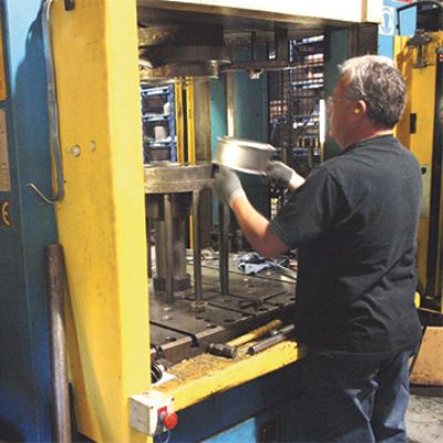 Operators Revel in Hydraulic-Press Controls Refresh
