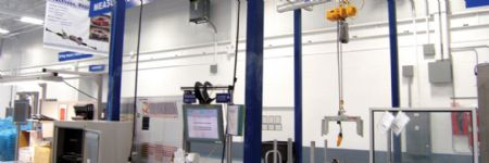 Versatile, Lightweight Lamp-Post Cranes