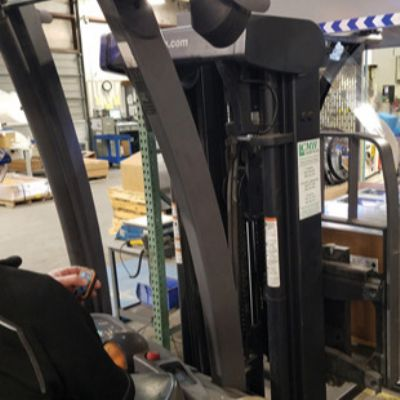 Automatic Wrapping Secures Pallet Loads for Transp...