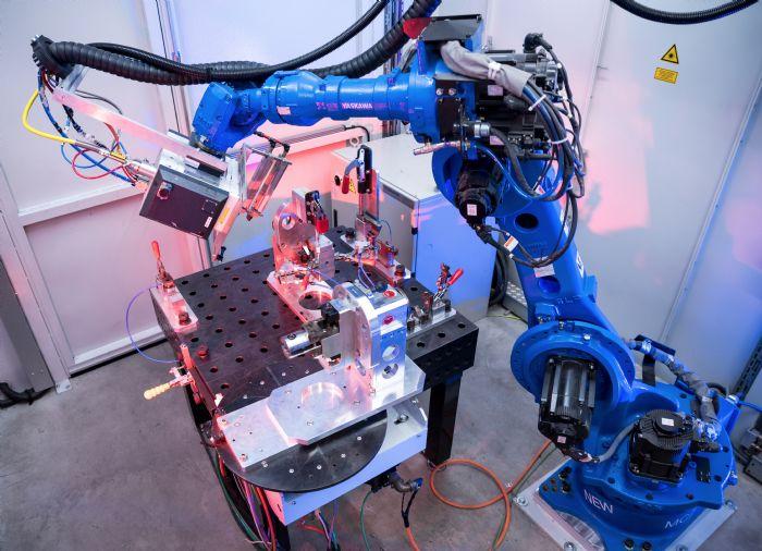 YASKAWA robotic laser welding