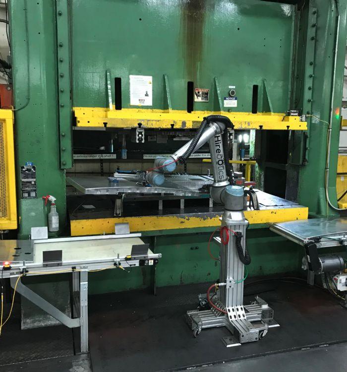 Cobots-press-tending-grip-part