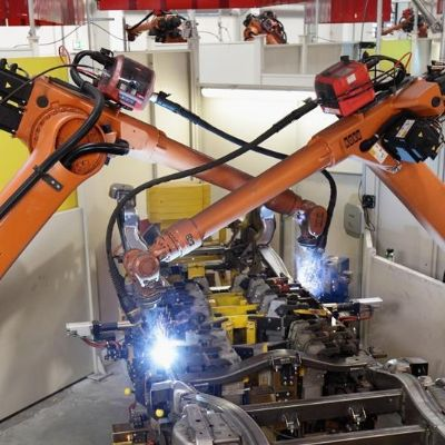 Kuka Wins Mercedes-Benz BIW Production-Line Automation Contr...