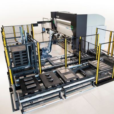 Robotic Bending System Features Automated Tool-Cha...