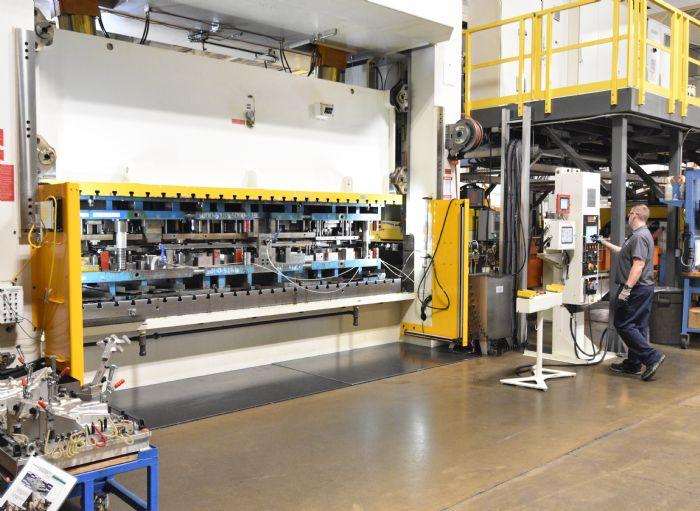 Die-Design-700-Ton-Servo-Press