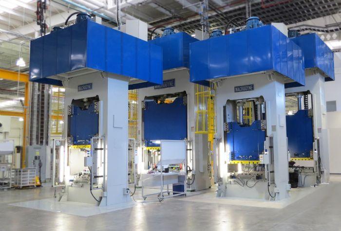 Macrodyne-hydraulic-200-ton-forming-press