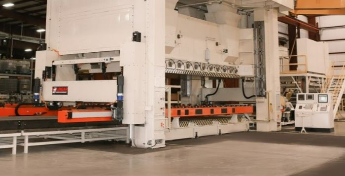 1-Pressroom-Automation-Linear-Transfer-Above-Pass-Line