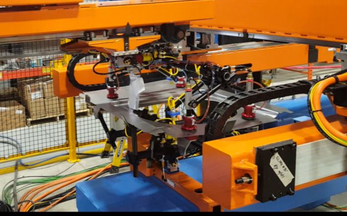 2-Pressroom-Automation-Linear-Complex-Part-Handling