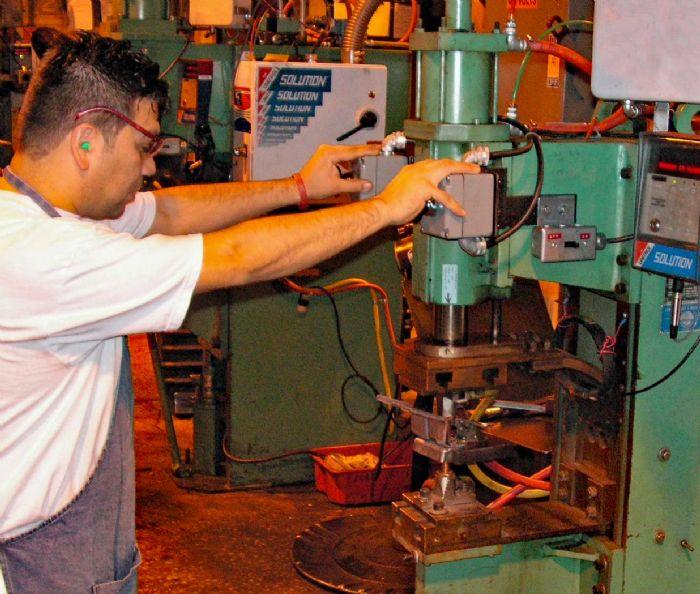 FIg. 2 anti-tiedown initiation resistance welding
