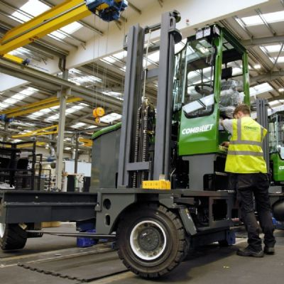 Emission-Free Forklift for Work Inside and Out